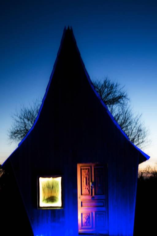 La Valise Rouge Les Herbiers la maison magique: unusual accommodation france, atlantic