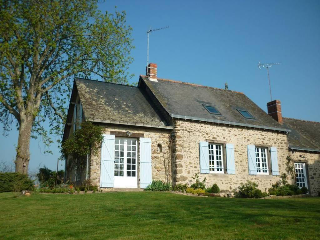 Maison Bouvier Sainte Luce Sur Loire gite les melinottes: gites and holiday rentals france