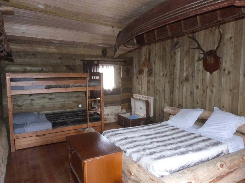 La Valise Rouge Les Herbiers la valise a cheval farwest 1881: bed and breakfast france