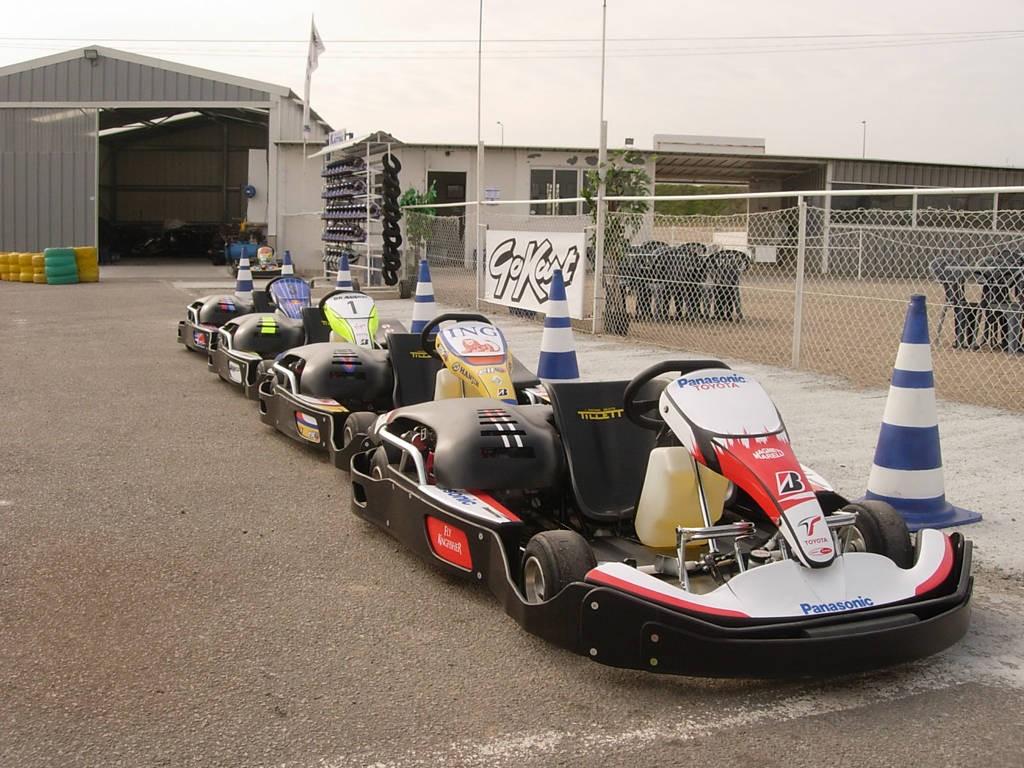 PLEIN GAZ KARTING 44 Activités, sports mécaniques en Pays de la Loire # Karting Aulnay Sous Bois