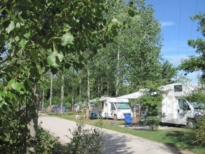 AIRE DE CAMPING-CAR CAMPING CAMPILO