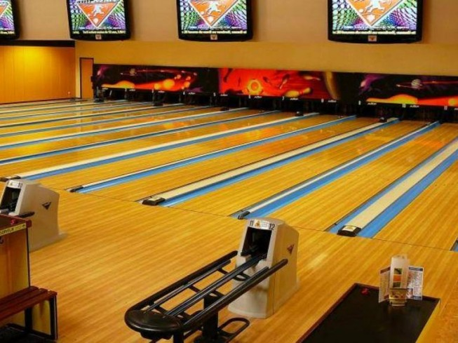 Interbowling Leisure Activities For Young People France Atlantic