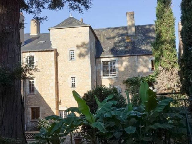 Chambres D Hotes La Maison Du Prevot Bed And Breakfast France Pays