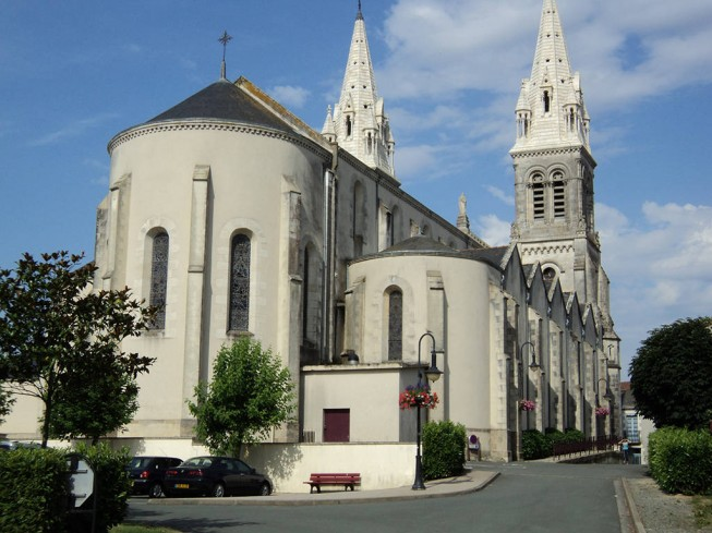 EGLISE SAINT-PIERRE