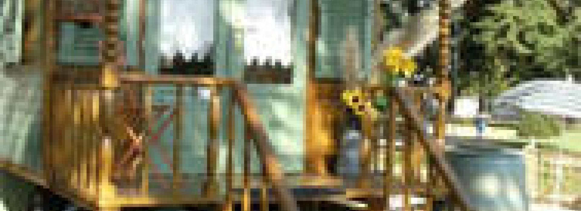Couleur De Pierre Chalonnes Sur Loire hebergement insolite la roulotte de lamane- couleur boheme