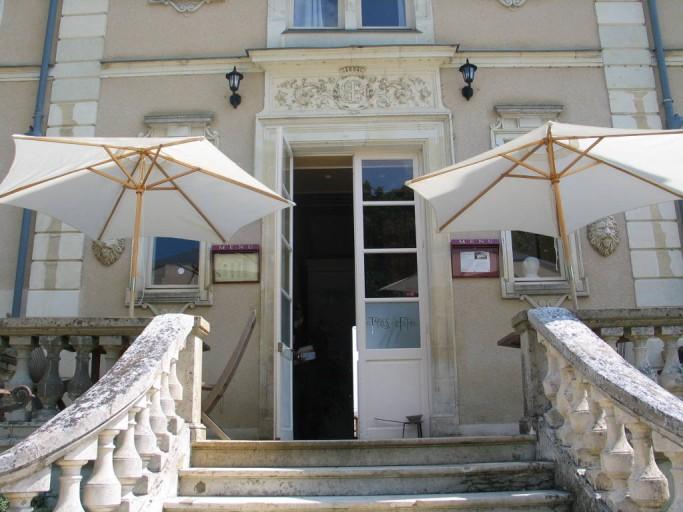 Restaurant Les Tables De La Fontaine Restaurants France Atlantic