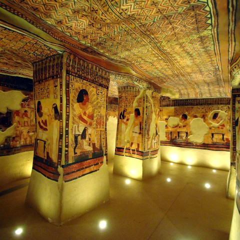 Explore the Egyptian tombs at the Musée de Tessé?